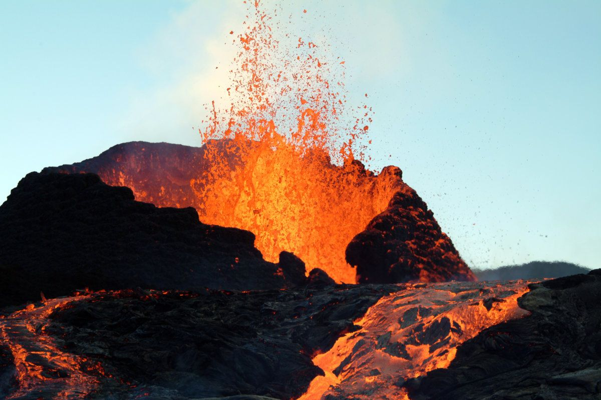 First 3d Map Of Earth S Interior Shows Where Volcanoes Come From Vulkanen Aardwarmte Natuur
