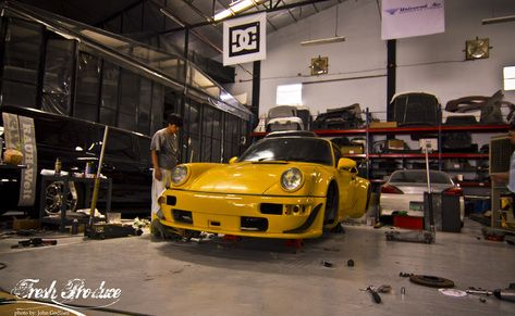 Here is our latest feature. Follow our friends at the Fresh Produce for some awesome RWB photos! #carpornracing #rwbmanila #rwb #rauhweltbegriff #porsche #general #thefreshproduce