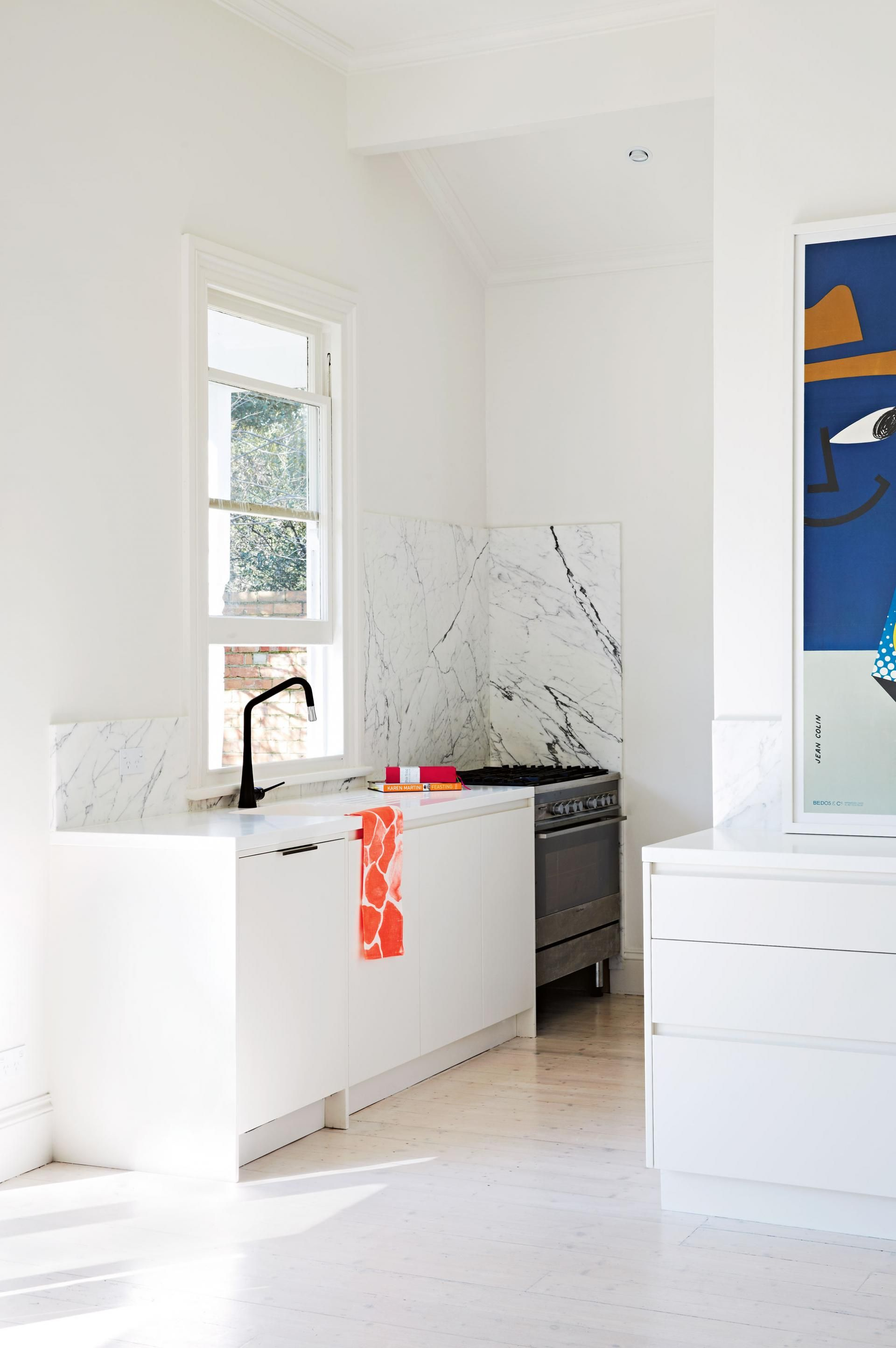 white-kitchen-marble-black-tap-xmas-nov14 | Interioare | Pinterest ...