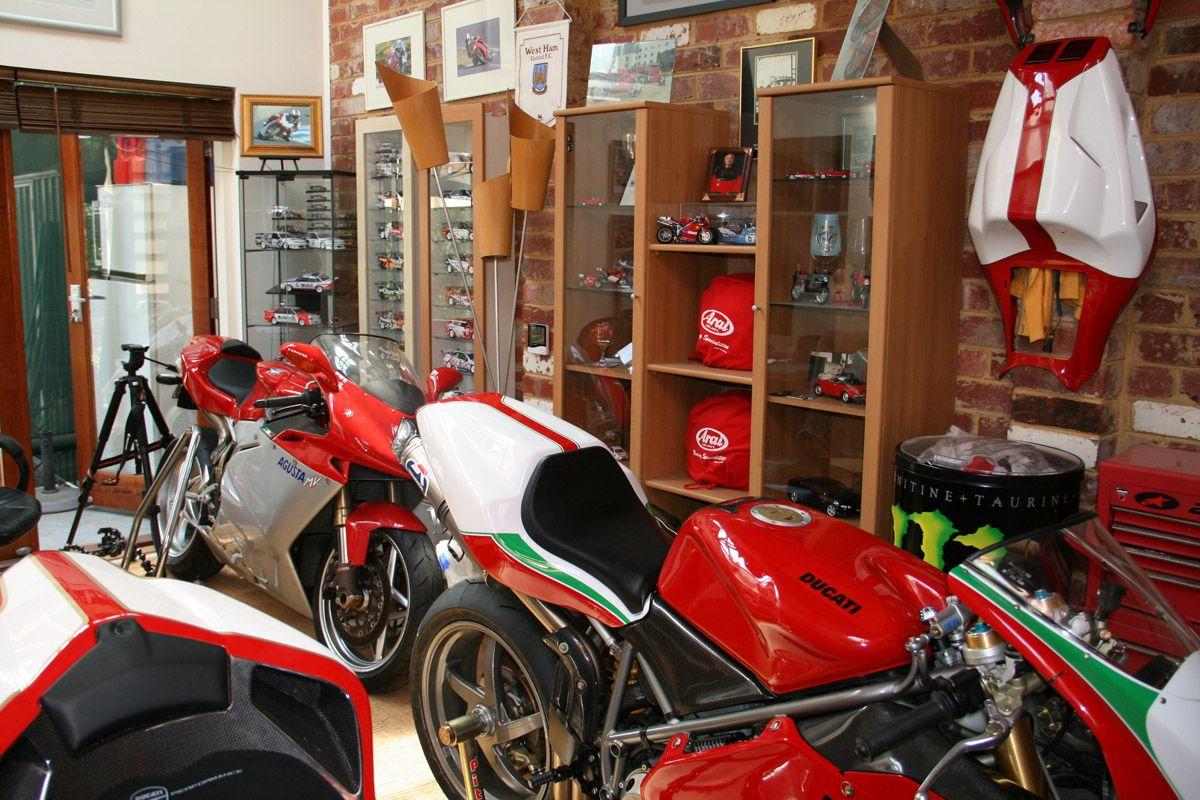 ducati motorcycle sportbike