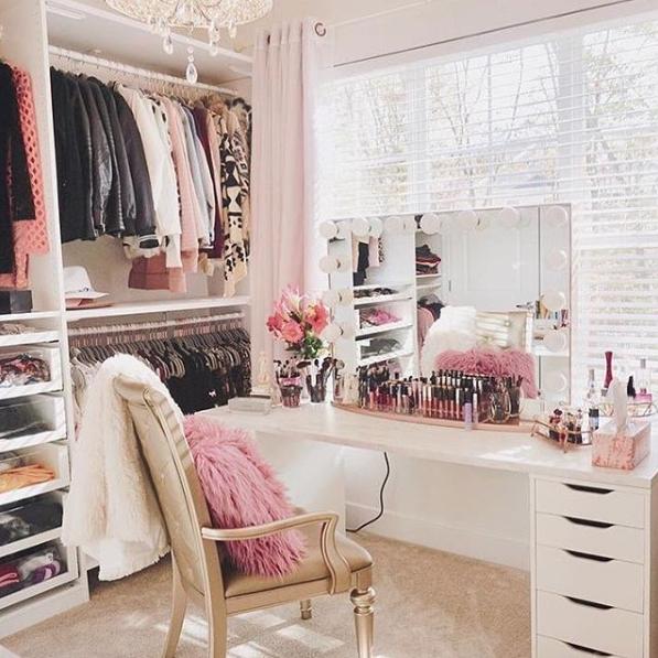 Dressing Room - Window Mirror