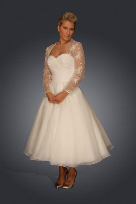 1950s style lace wedding dress