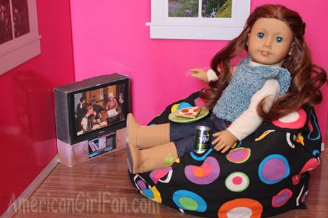 Surprising Saige Chilling In Ahh Product Lil Me Bean Bag Chair Gmtry Best Dining Table And Chair Ideas Images Gmtryco
