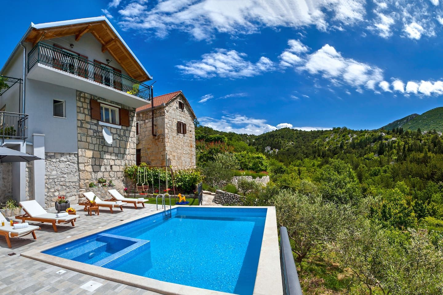 Pool And Jacuzzi Mediterranean House With Heated Pool And Jacuzzi Houses For Rent