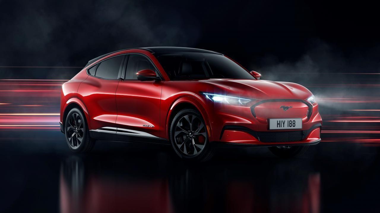Offiziell Dies Ist Der Neue Ford Mustang Mach E Elektro Suv Elektrische Autos 2020 In 2020 New Ford Mustang Ford Mustang Mustang