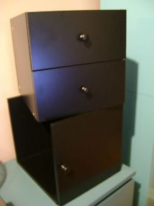 Casiers Noir A Porte Et A Tiroirs Expedit De Chez Ikea A Vendre Finding A House Car Buying Filing Cabinet