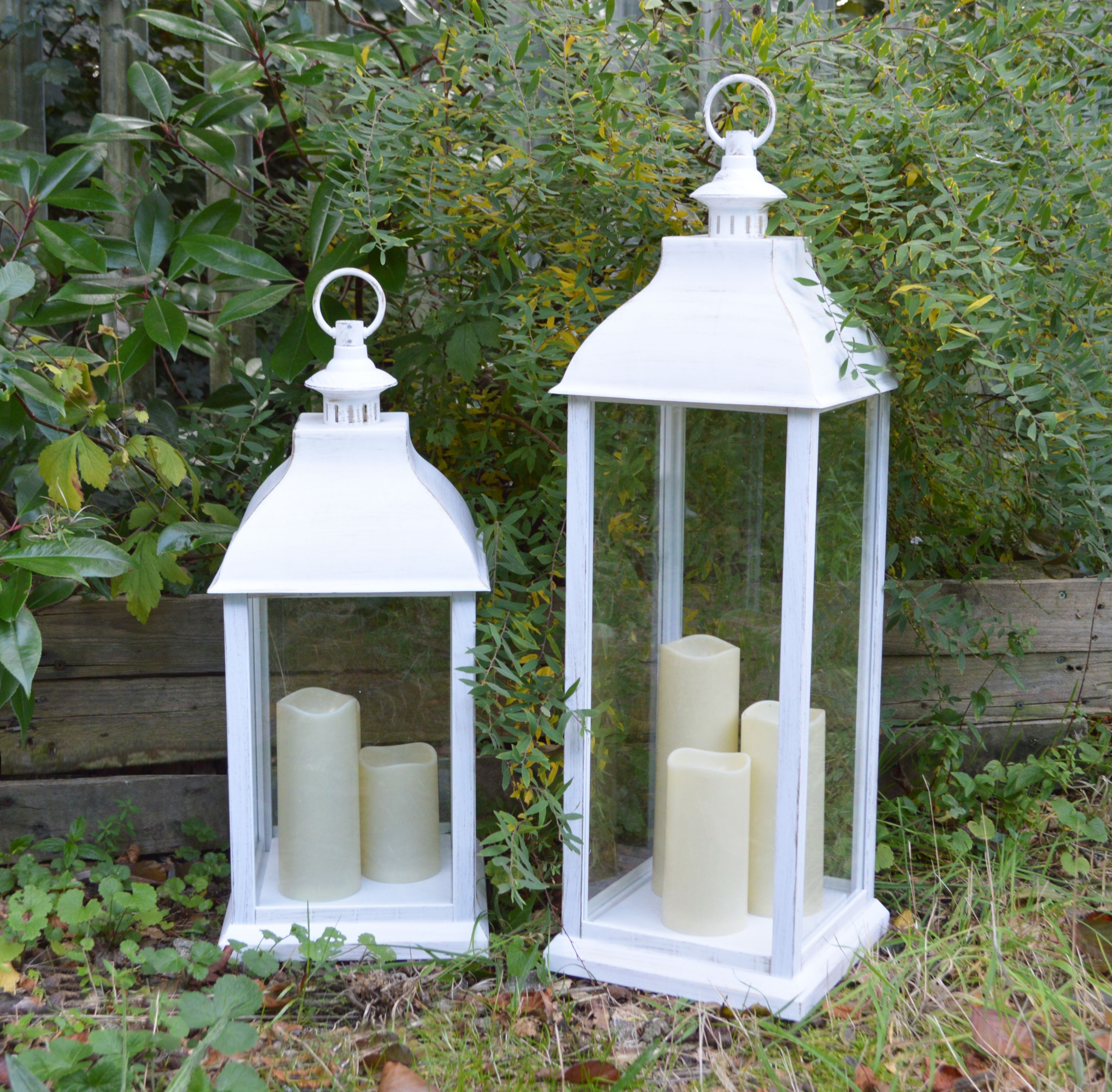 This flickering LED lantern with an inspired antique white