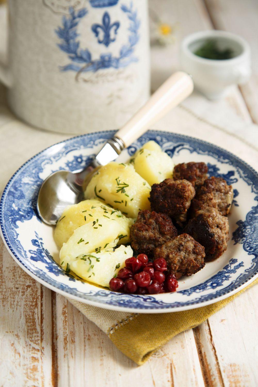 Scandinavian Food 12 Best Scandinavian Dishes To Try In 2020 Scandinavian Food Food Norwegian Food