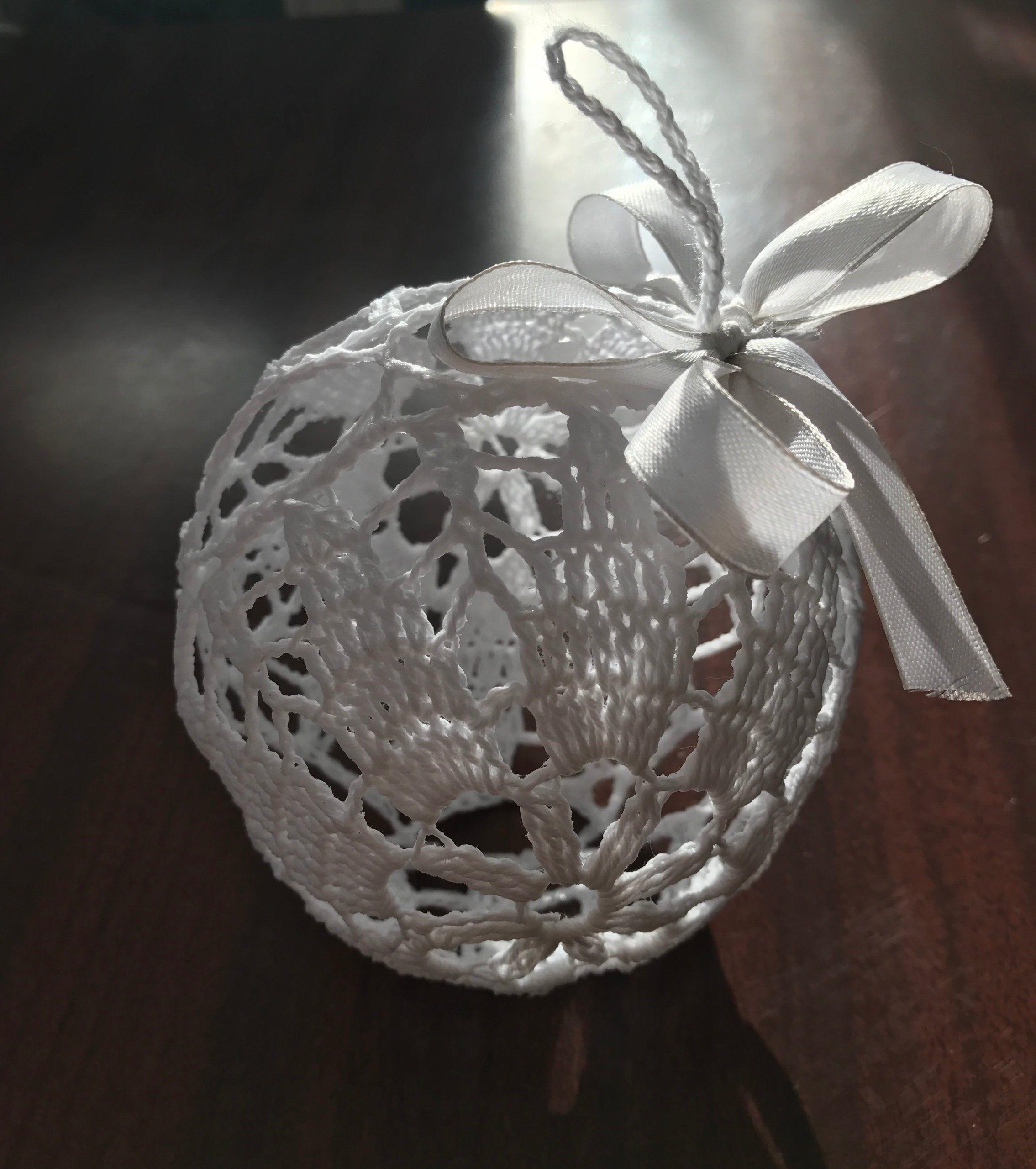 Bombki Choinkowe Na Szydelku Biale 6635528313 Oficjalne Archiwum Allegro Christmas Bulbs Holiday Decor Christmas Ornaments