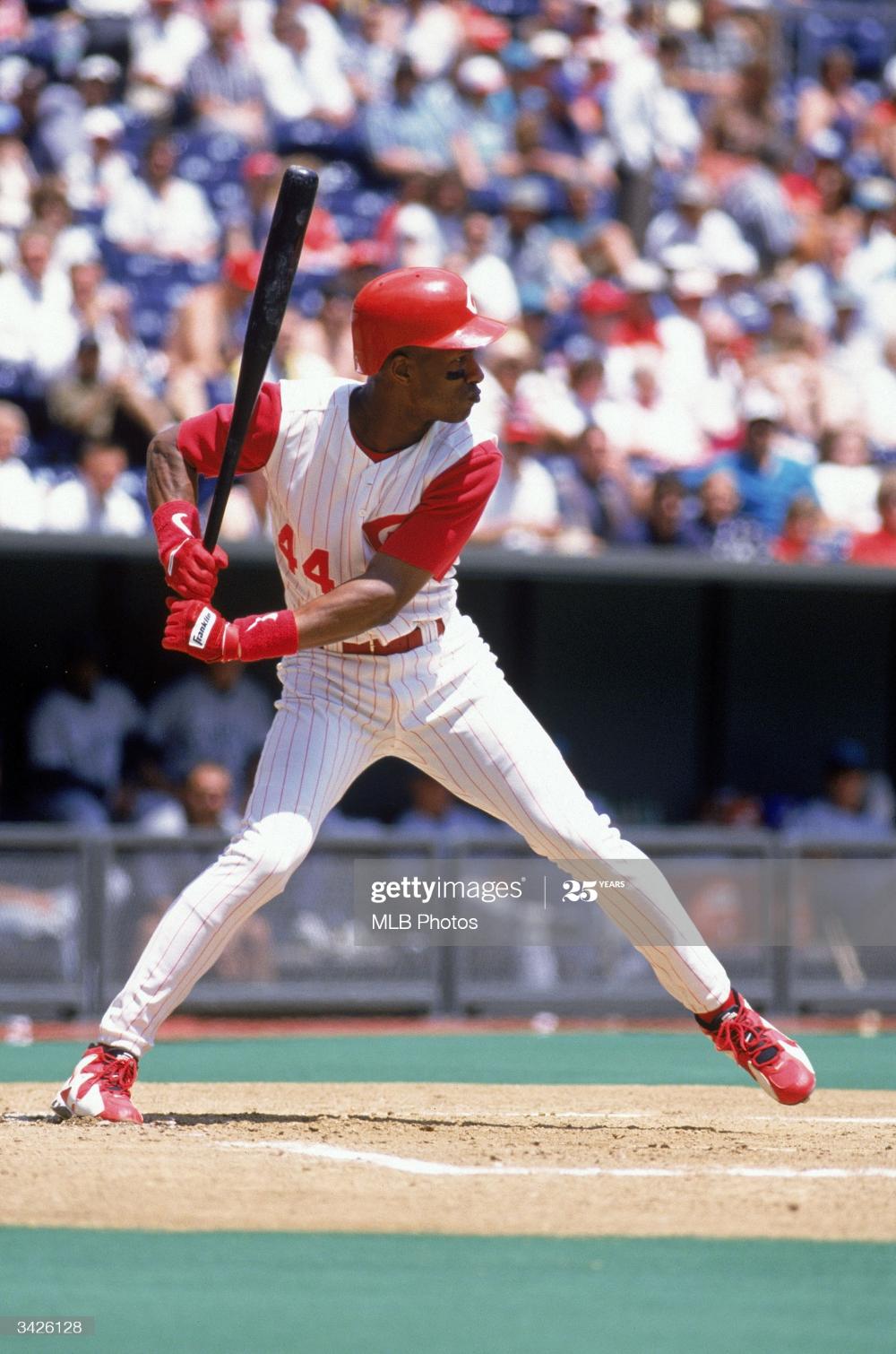 Outfielder Eric Davis Of The Cincinnati Reds At Bat During A Game In 2020 Cincinnati Reds Eric Davis Cincinnati Reds Baseball