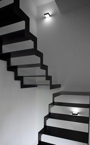die treppe endet einfach coole design idee f r eine schwarze treppe moderne inneneinrichtung. Black Bedroom Furniture Sets. Home Design Ideas