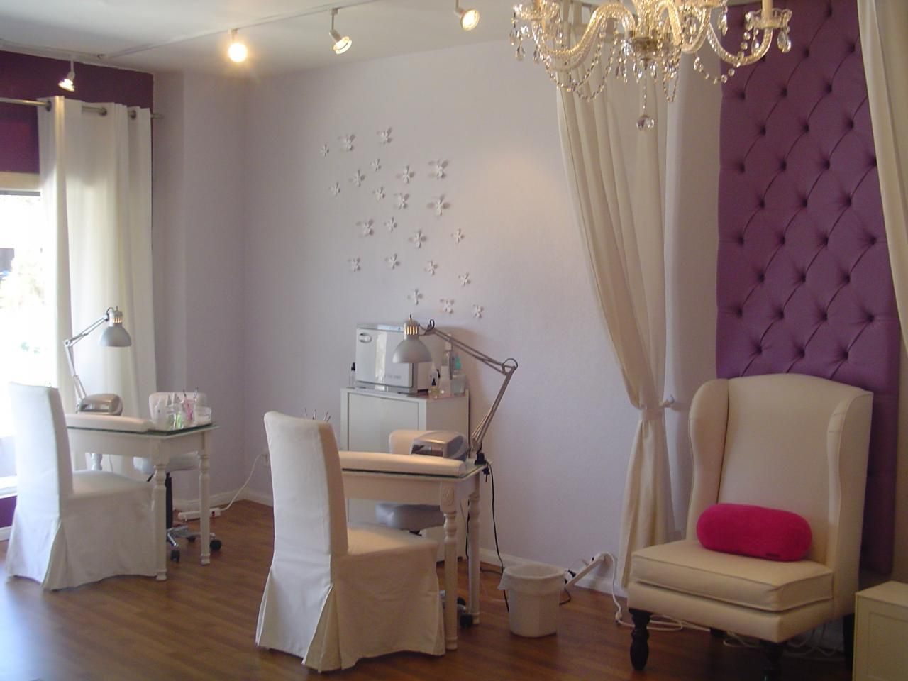 Manicure stations home salon pinterest manicure for Salon de pedicure