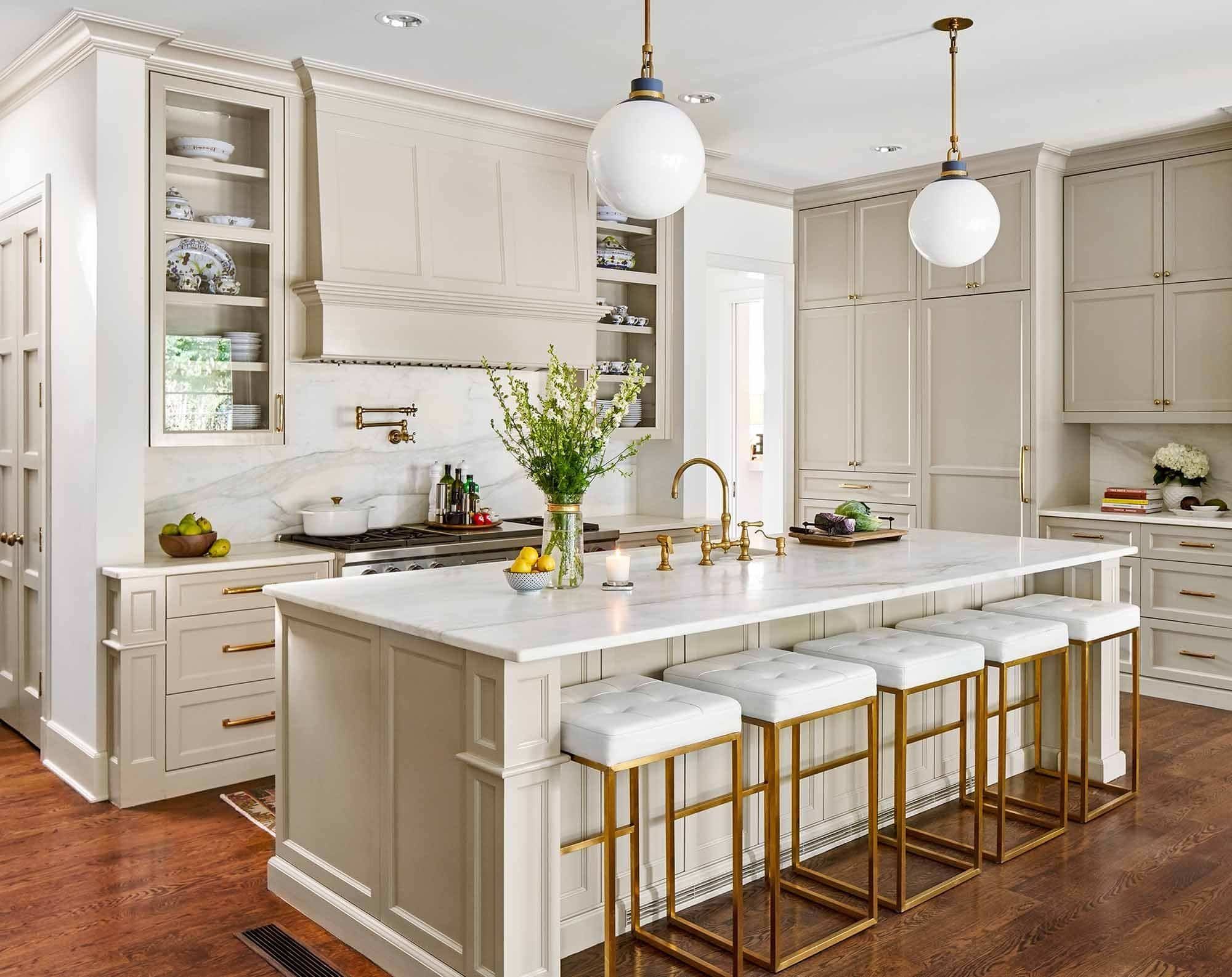 Austin Cabinet Painting Projects Gallery See Our Work Paper Moon Painting Painting Cabinets Raised Panel Cabinets Contemporary Kitchen