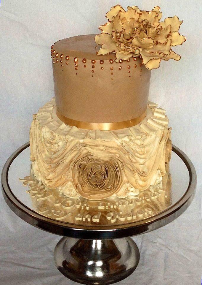 Coffee & Gold tones wedding cake   Cakes I like   Pinterest ...