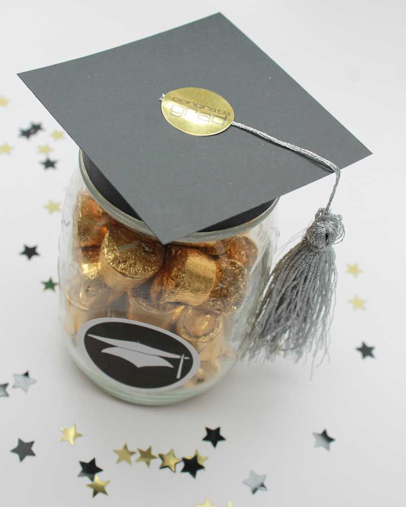 Diy Graduation Mason Jar Party Gifts Favors Free Printable Graduation Diy Graduation Mason Jars Graduation Candy