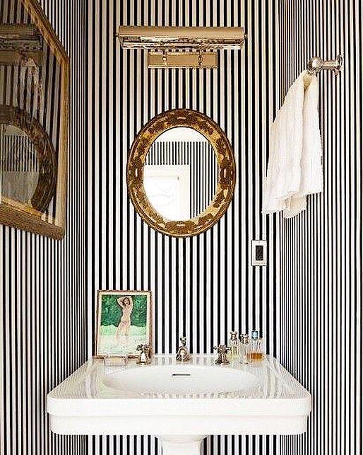 I'm hj-mania #white #black #tile #finish #FIN #love #uncommonimage #인테리어디자인 #디자인 #아트 #컬러 #실내디자인 #타일 #마감재 #vm #vmd #artwork #contemporary #contemporaryart #art #colorful #color #furniture #interior #design #interiordesign #display #uncommon #design1030 #two_of_us by design1030