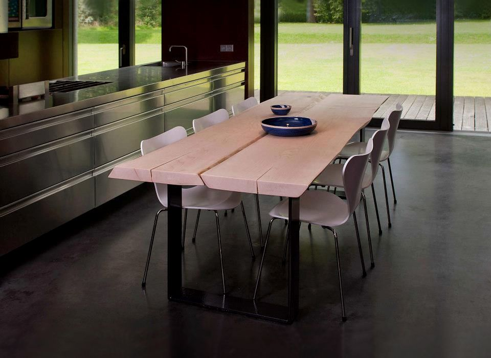 Woodend! #Boomstamtafels met liefde gemaakt. Prachtige robuuste tafels gemaakt van hele boomstammen.