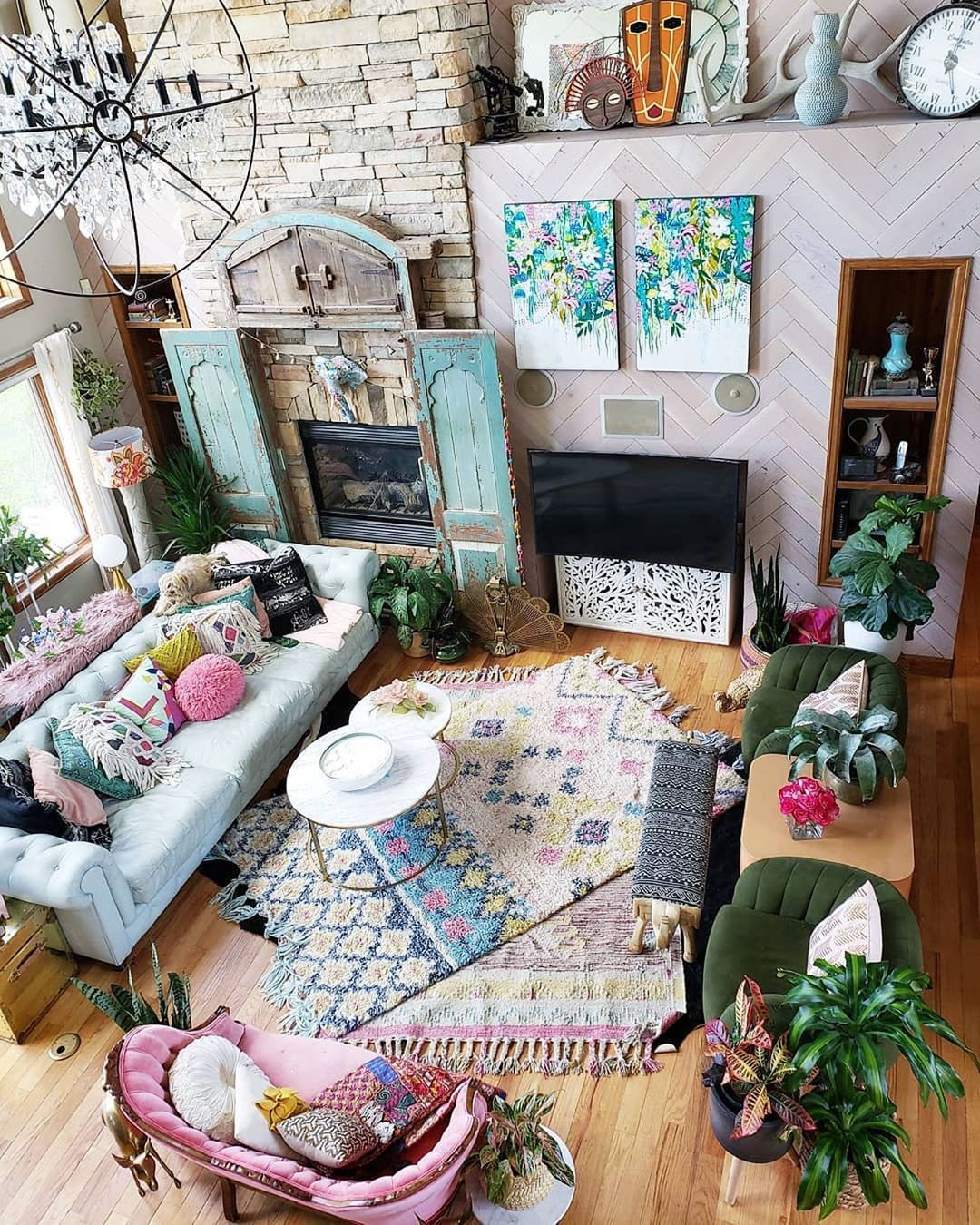 50 Diy Living Room Decor Ideas Creative Room Projects Checopie Colourful Living Room Bohemian Family Rooms Home Decor
