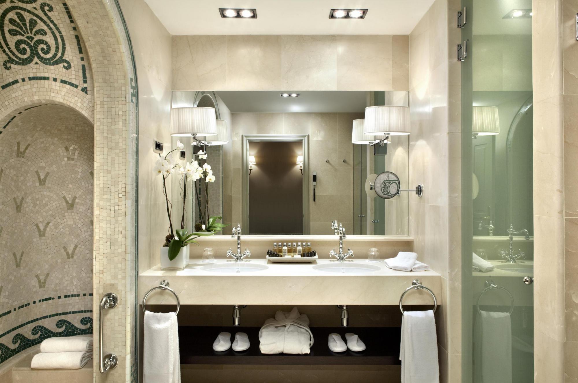 Banos De Lujo Habitacion Clasica Con Bano Romano El Palace Hotel