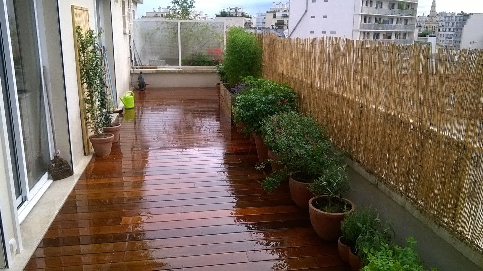Amenagement De Balcon Creation D Une Terrasse En Bois Exotique