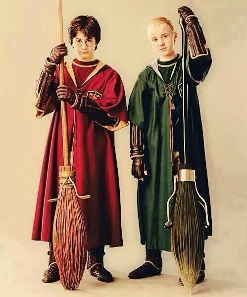 Slytherin Vs Gryffindor Draco Vs Harry Quidditch Harry Potter Quidditch Harry Potter Cosplay Harry Draco