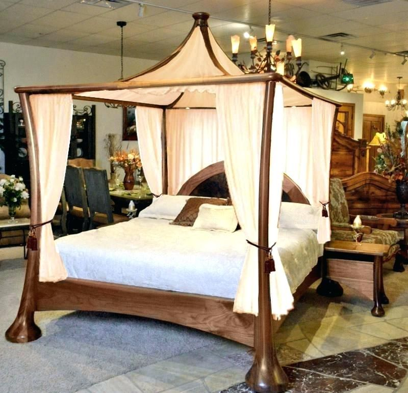 Set Up a King Size Canopy Bed with Curtains in 2020 ...