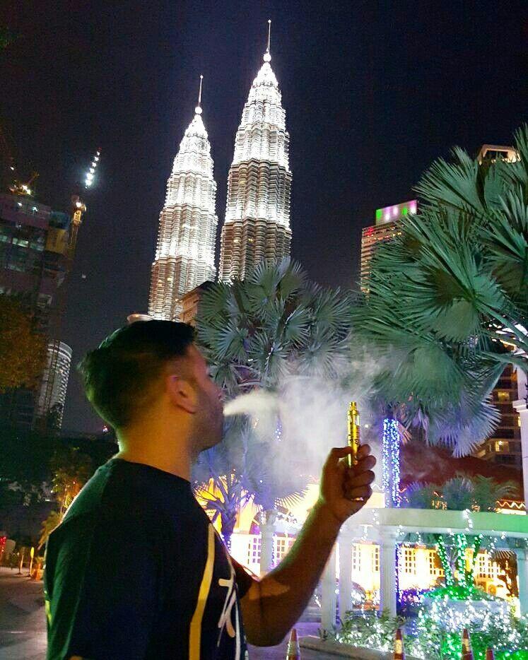 @Atom_Vapes at Kuala Lumpur for VAPEX 2016.  PC: @I8B7 #AtomVapes #gCeramic #Vapex #Vgod