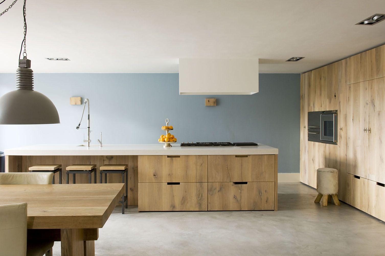 Blauwe muur in keuken sijmen interieur muurverf pinterest muur keuken en interieur - Interieur muur ...