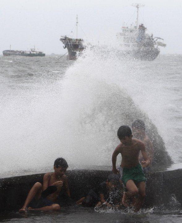 Tropikalna burza na Filipinach fot. Reuters