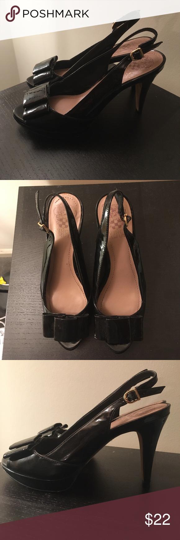 Vince Camuto peep toe bow heels Barely worn black leather peep toe & bow detail sling back heels! Vince Camuto Shoes Heels