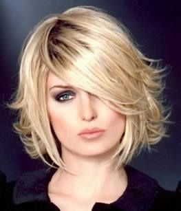 Tagli capelli scalati medi nel 2020 | Capelli scalati medi ...