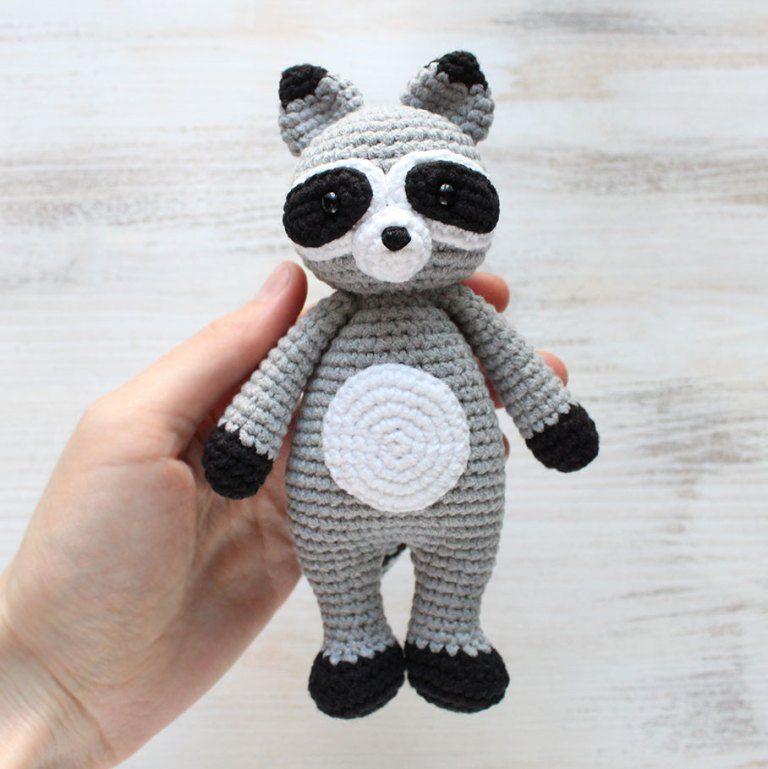 Crochet Cuddle Me Raccoon - Free amigurumi pattern | Amigurumi ...