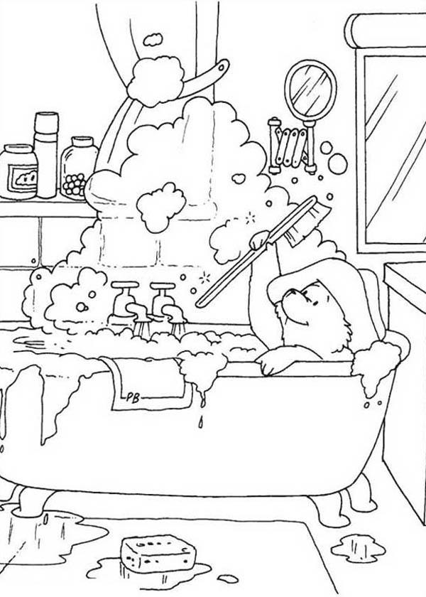 Paddington Bear Play With Buble In Bathtub Coloring Page Color Luna Bear Coloring Pages Coloring Books Paddington Bear