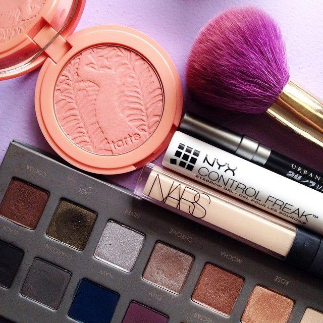 [Neu] Makeup Revolution X Friends Collection in 2020