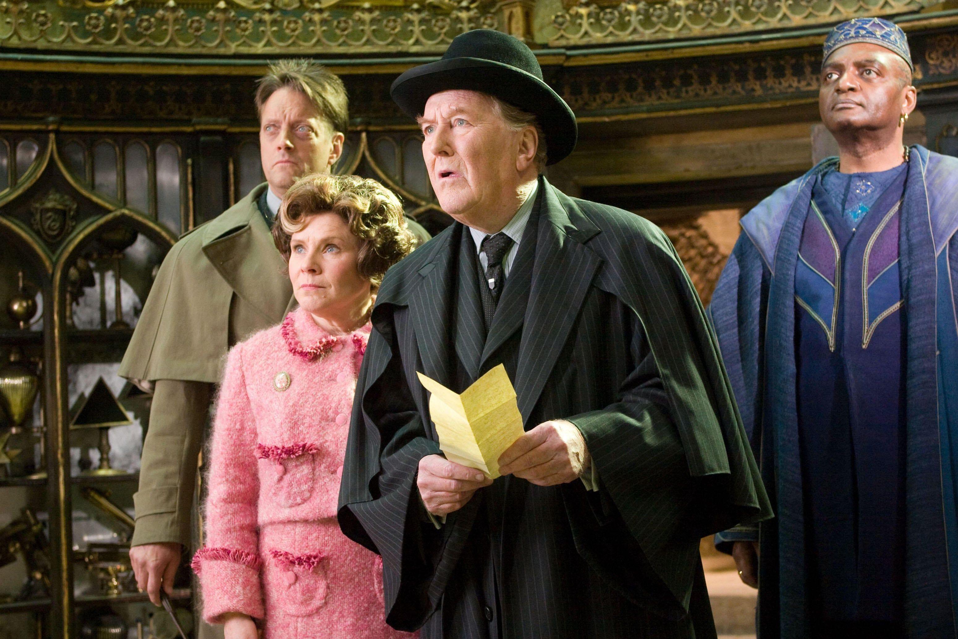 Cornelius Fudge Robert Hardy Harry Potter Actors Fudge Harry Potter