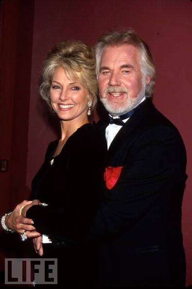 1993: Kenny Rogers Knows When to Fold 'Em The country ...