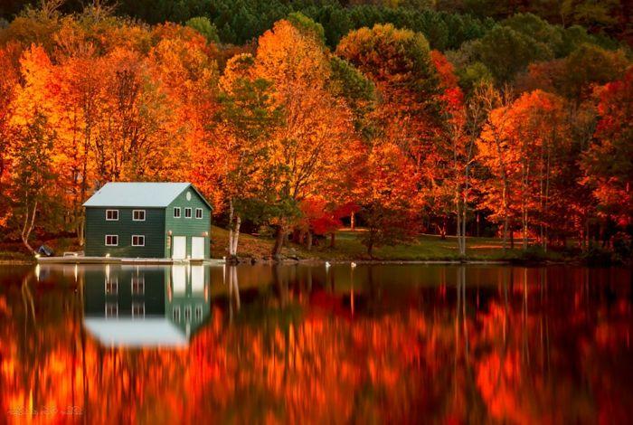 1001 Jolies Exemples D Images D Automne Pour Fond D Ecran Fond Ecran Gratuit Image Automne Maison Au Bord Du Lac