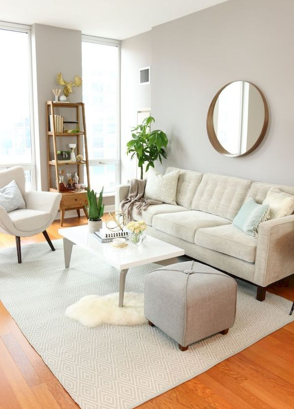 60 Small Apartment Living Room Decorating Ideas #smallapartmentlivingroom
