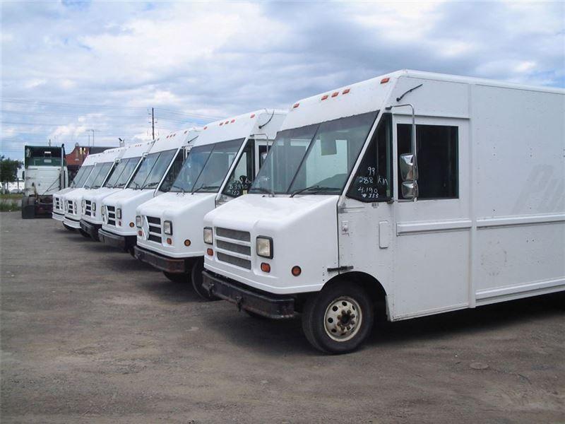 Heavy trucks 2001 workhorse p42 stepvan in mississauga