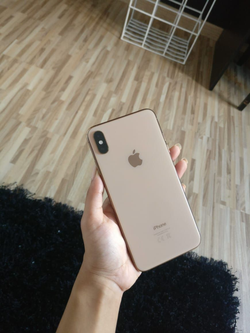 Iphone Xs Max In Gold Iphone Iphone Store Apple Products