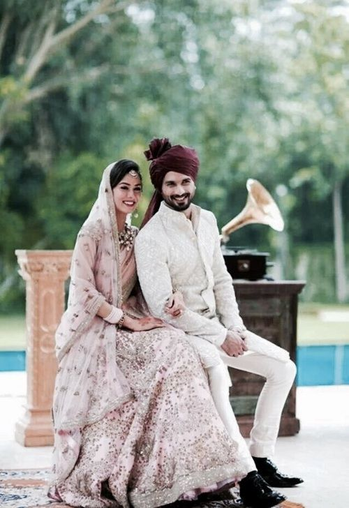 July 2015 Shahid Kapoor Mira Rajput Justmarried Mira S In A Delicate Rose Hued Anamika K Couple Wedding Dress Indian Wedding Couple Indian Wedding Outfits