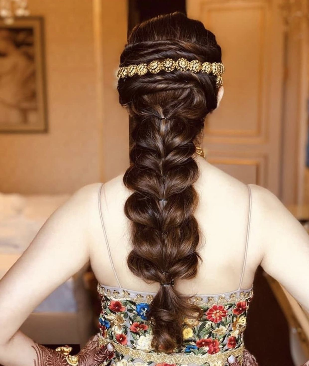 Indian Braids Hairstyle: Pin By Roja On Indian Wedding Hairstyles In 2019