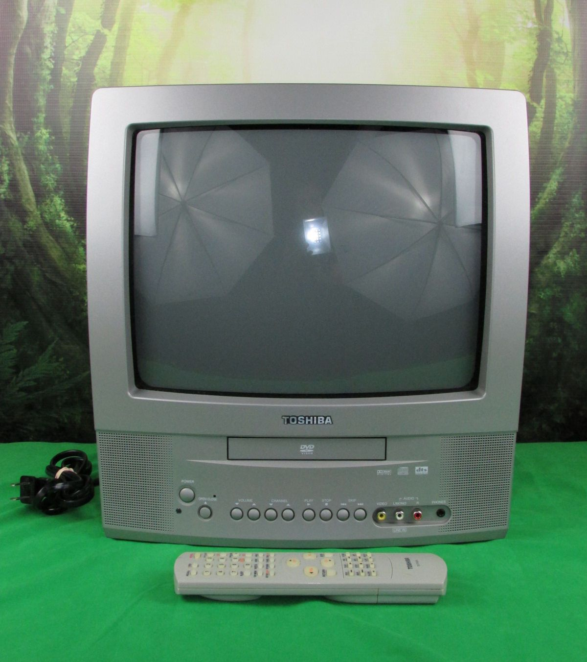 Toshiba Md13n3 13 Crt Tv Color Built-in Dvd Video Player Combo Silver Remote Common Shopping