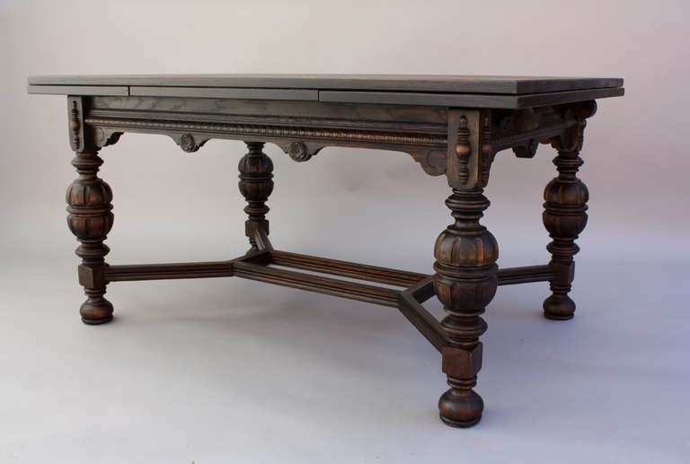 1920 S Dining Table With Retractable Leaves Looks Like The