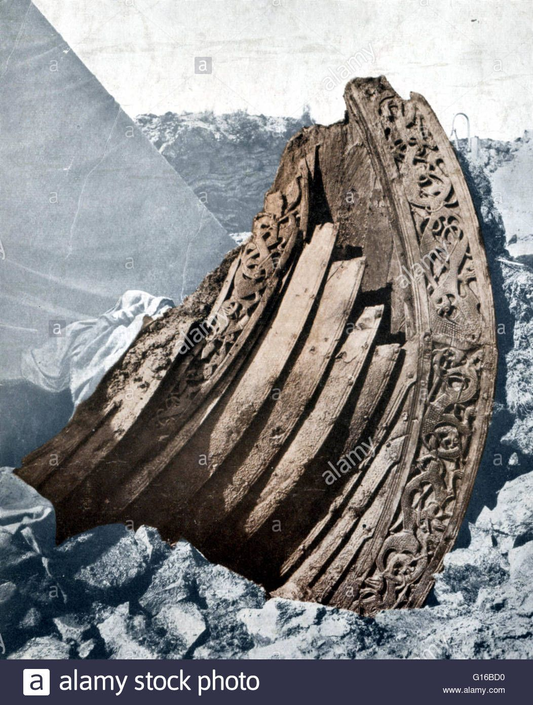 Artista: Werner Forman · El barco Oseberg es una nave vikinga bien conservada descubierta en un gran túmulo