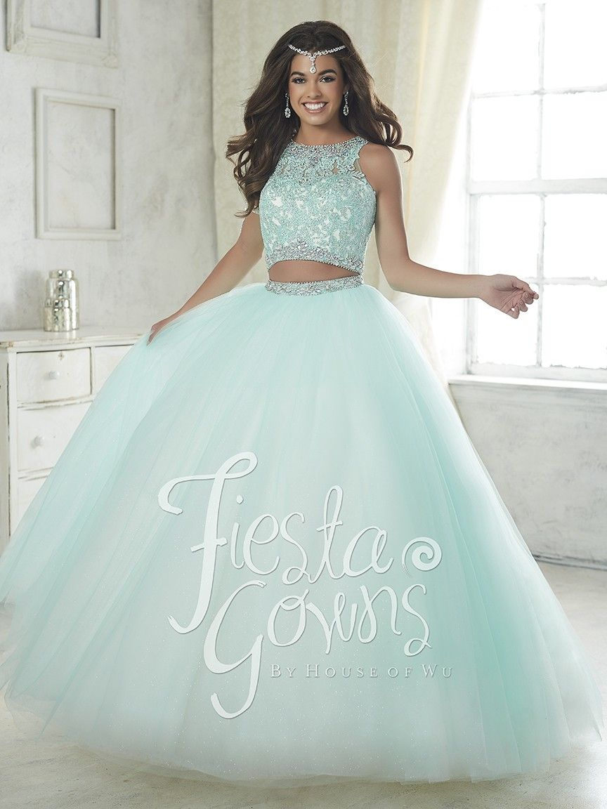 8f3e2869124 This enchanting two-piece ball gown has an opaque