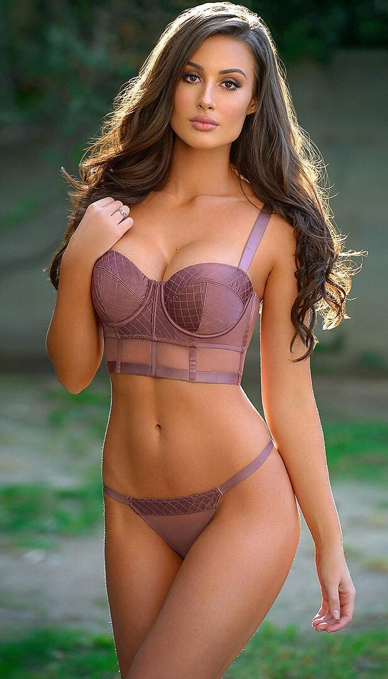 Beauty lingerie model gallery bang