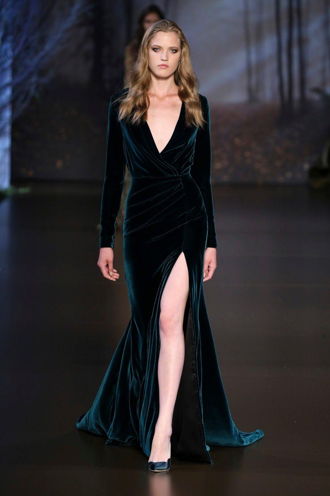 61ab28b2d4eedce Бархатное платье с разрезом от Ральф и Русо Бархатные Платья, Зеленое Платье,  Длинное Платье