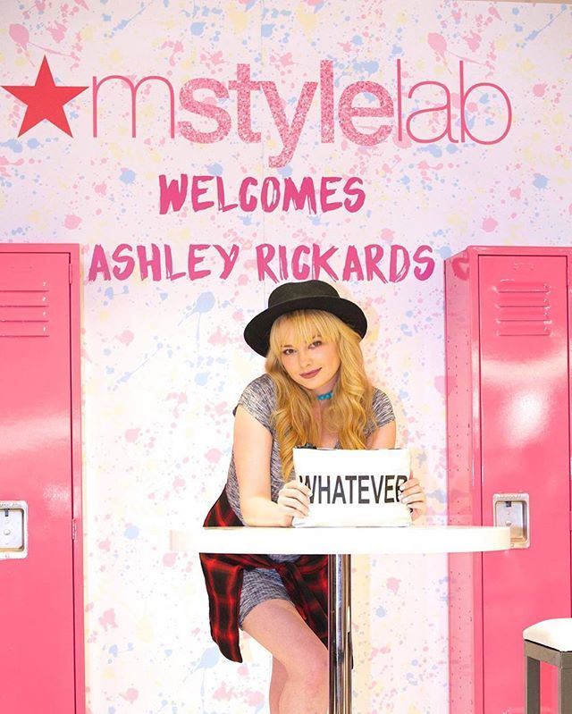 Rebel chic 💀 stop at @Macys to meet me and shop some rad #throwbacktoschool trends.Schedule here: bit.ly/IG_PBB8Q1 #ad