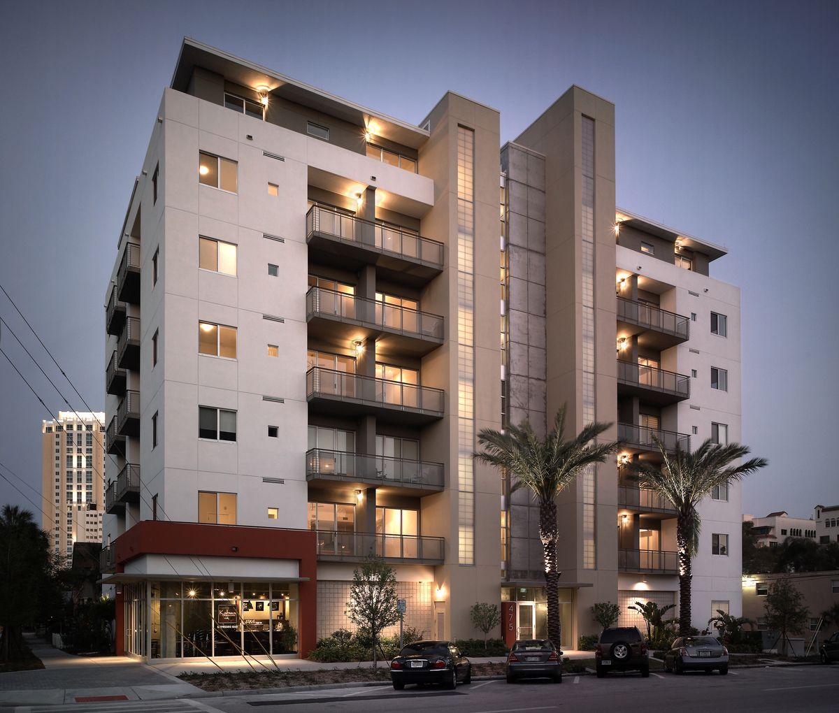 Condominium Apartment: Facade Architecture, Condominium